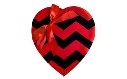 与丝带的红色缎心脏 免版税库存图片