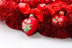 与丝带的装饰红色心脏 免版税图库摄影