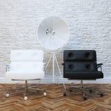 与两把皮革扶手椅子的白色砖墙办公室内部 免版税库存照片