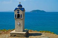 与乌龟海岛的希腊寺庙 库存照片