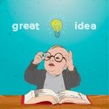 与书的好主意、在他的题头之上的孩子和电灯泡 免版税库存照片