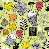与乱画鸟和树叶子的浪漫秋天样式 免版税图库摄影