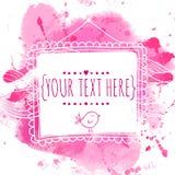 与乱画鸟的白色手拉的方形的框架 桃红色水彩飞溅背景 婚姻的邀请的逗人喜爱的设计观念, gr 免版税库存照片