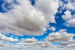 与了不起的深度的Cloudscape 库存照片