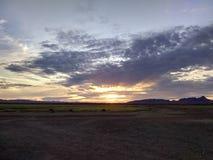与云彩的亚利桑那日落 库存图片
