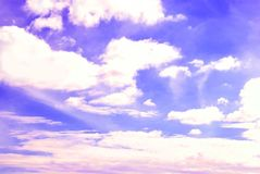 与云彩的天空 库存图片