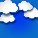 与云彩的抽象网络设计背景。 库存照片