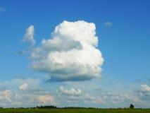 与云彩的横向 免版税库存图片