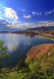 与云彩的自然风景场面,奥赫里德湖,马其顿 库存照片
