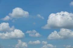 与云彩的蓝天,蓝天 免版税图库摄影