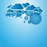 与云彩的蓝色抽象背景 免版税库存照片