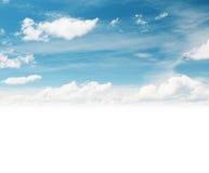 与云彩的Skyscape 免版税库存照片
