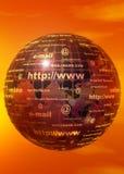 与互联网文本的金黄地球 免版税库存照片