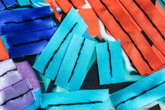 与五颜六色的丝带的抽象构成 免版税库存照片