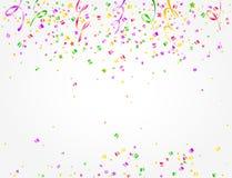 与五颜六色的五彩纸屑和飘带的狂欢节背景 免版税库存照片