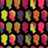 与五颜六色的人民的五颜六色的无缝的样式 免版税库存图片