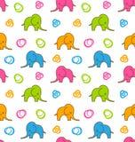 与五颜六色的动画片大象的无缝的纹理 皇族释放例证