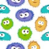 与五颜六色的妖怪面孔的无缝的样式细菌 与动画片滑稽的毒菌的传染媒介背景 免版税图库摄影