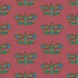 与五颜六色的成为不饱和的装饰品无缝的样式的逗人喜爱的蝴蝶在桃红色背景 免版税库存图片