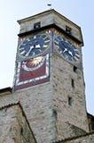 与五颜六色的日规的古老瑞士城堡拉珀斯维尔 免版税图库摄影