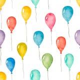 与五颜六色的气球的水彩无缝的样式 免版税库存图片