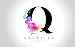 与五颜六色的烟墨水Flo的Q充满活力的创造性的Leter商标设计 皇族释放例证