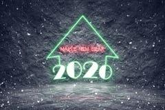 与五颜六色的霓虹灯的降雪的2020年圣诞节假日 图库摄影