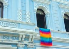 与五颜六色编织的墨西哥大厦 免版税库存图片