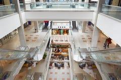 与人的麦加购物中心在阿曼 免版税库存照片