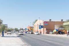 与企业的街道场面和车在卡里比布 库存图片