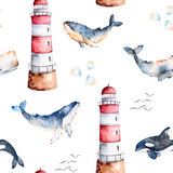 与优质手画水彩鲸鱼、贝壳和灯塔的无缝的样式在淡色 皇族释放例证