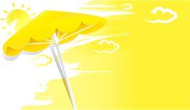 与伞的夏天晴朗的黄色背景 免版税图库摄影