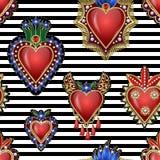 与传统墨西哥心脏的无缝的样式与火和花、被绣的衣服饰物之小金属片、小珠和珍珠 传染媒介补丁 向量例证