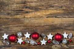 与传统装饰品的圣诞节装饰 库存图片