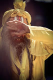 与传统被绘的面孔的Sadhu在Durbar Sqaure在Kathmand 库存图片