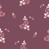与伯根地玫瑰、叶子和蜻蜓的水彩无缝的样式在伯根地背景 免版税图库摄影