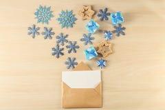 与信件的构成给圣诞老人 图库摄影