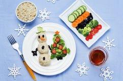 与健康kid& x27的圣诞节午餐; s食物 免版税图库摄影