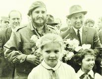与先驱女孩的扬吉耶尔卡斯特罗和Rashidov 1963年 库存照片