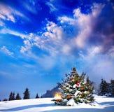 与光的圣诞树 免版税库存图片