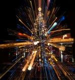 与光线影响的圣诞树 免版税库存图片