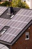 与光致电压的盘区的绿色可再造能源 库存照片