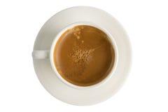 与光滑的奶油的咖啡在孤立背景 免版税库存图片
