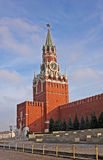 与克里姆林宫时钟的Spasskaya塔在莫斯科,俄罗斯 免版税库存图片