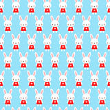 与兔宝宝的逗人喜爱的幼稚无缝的样式 免版税库存照片