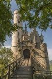 与入口门和吊桥的城堡利希滕斯泰因 免版税图库摄影