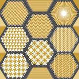 与六角形的日本金黄印刷品 免版税库存照片