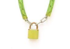 与关键字和链子的金属挂锁 库存图片