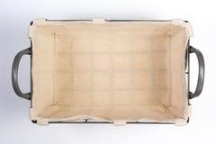 与内部的布料和把柄顶视图的金属线篮子 图库摄影