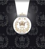 与冠花圈叶子的皇家无缝的模式 免版税库存图片